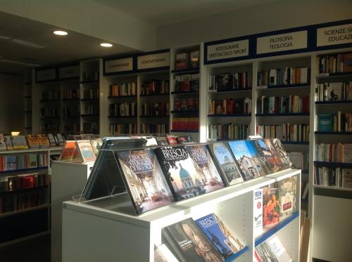 Apre la -Libreria di Poliambulanza-