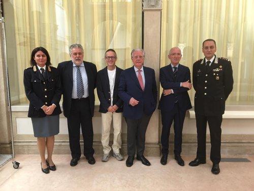 """""""Il nemico da battere è lo stress"""", al via il progetto pilota di aiuto psicologico a Polizia e Carabinieri"""